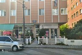 İçerenköy de Satılık Depolu Dükkan